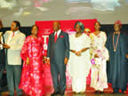 L-R Gov. Oshiomole of Edo State, MD/EIC Sun Newspapers, Mr. Tony Onyima, Mr. Donald Duke, former Gov. of Cross River State, Mrs. Derin Osoba, Gov. Akpabio, his wife Unoma, Mrs. Onari Duke, Aremo Olusegun Osoba, former governor of Ogun State and Air Cmdr/ Idongesit Nkanga rtd at the event